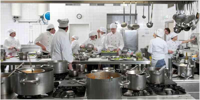 consejos para ahorrar costes en la cocina de un restaurante