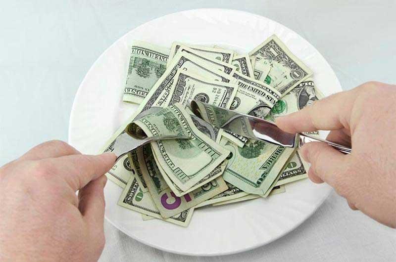 calcular precio de los platos en un restaurante
