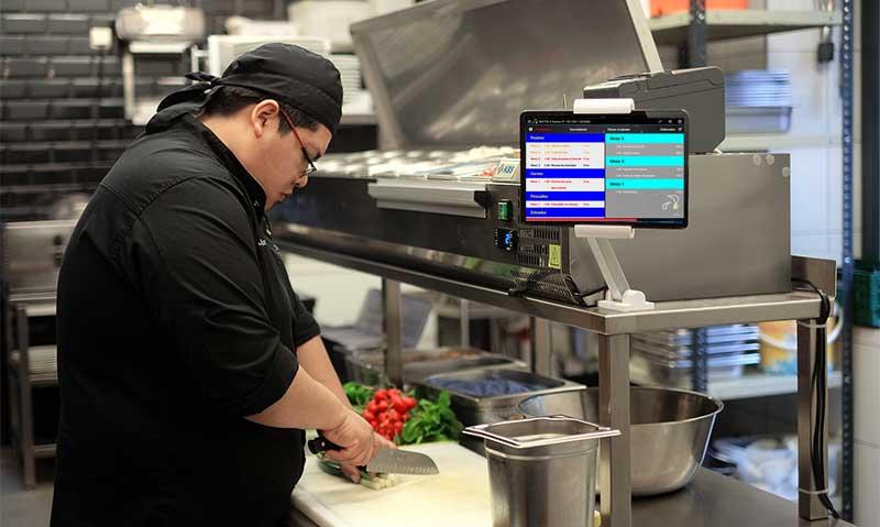 pantalla preparacion pedidos restaurantes